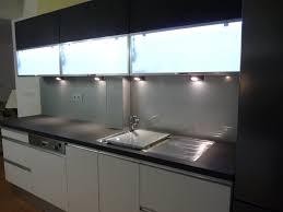 cuisine credence verre credence en verre cuisine madera y negro en la cocina 18 ideas para