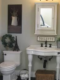 Half Bathroom Decorating Ideas Pinterest by Best 25 Half Baths Ideas On Pinterest Half Bathroom Remodel