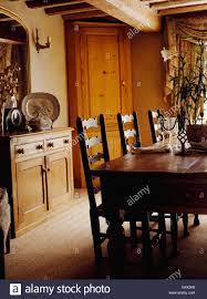 antike eiche tisch und ladderback stühle im cottage