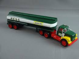1984 Hess Fuel Oil Tanker Toy Truck Bank | Hess Trucks By The Year ...