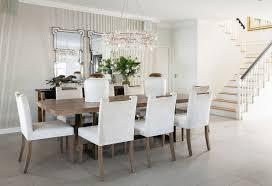 tisch und helle gepolsterte stühle an bild kaufen