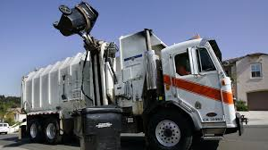 100 Garbage Truck Accident Truck Pins Driver Against Wall Kills Him The San Diego
