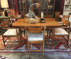 Round Dining Table By American Of Martinsville Cyclic Furniture