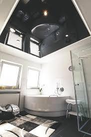 glanzdecke im badezimmer plameco decken design