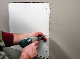 Scrape Popcorn Ceiling Or Replace Drywall by How To Repair Cracks And Holes In Drywall How Tos Diy
