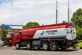100 Tank Truck FileBenoa Bali IndonesiaPetaminatanktruck01jpg Wikimedia Commons