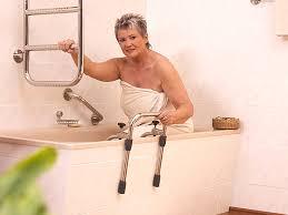 siege baignoire handicapé baignoire senior handicapé pmr à la baule guérande st nazaire
