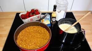 eierlikör panna cotta torte mit erdbeeren und keksboden