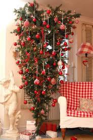 weihnachtsbaum kopfüber wohnzimmer deko weihnachten rot weiß