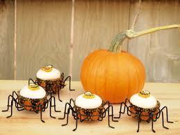 Pumpkin Spice Baileys Recipe by Pumpkin Pecan Cupcakes With Baileys Cream Cheese Frosting