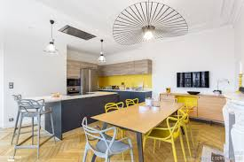 salon salle a manger cuisine cuisine moderne dans un appartement haussmannien coralie vasseur