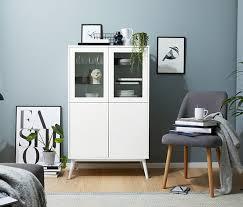 skandinavische vitrine ideen für dein wohnzimmer