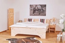 besser schlafen zirbenholz bringt erholung im schlaf