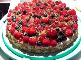 joghurt sahne torte mit früchten