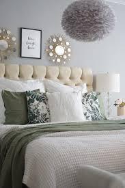 easyinterieur schlafzimmer grün weiss kissen easyinterieur