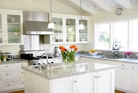 This Easy Homemade Cleaner Makes Granite Countertops Sparkle e