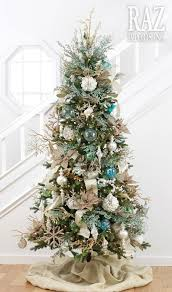 This Coastal Christmas Tree With Burlap Skirt Will Suit Or Beach Themed Decor Perfectly The Is Decorated
