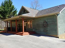 100 Wolf Creek Cabins Gray Lodge 4 BR3BA Cabin Hot Tub Game Room Close To Everything Pigeon Forge
