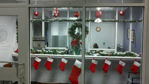 Office Christmas Decorating Ideas For Work by Amazing Christmas Office Decorating Ideas Images The Office