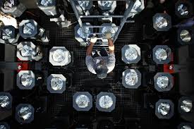 luxor light bulb iron