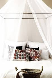 Twin Metal Canopy Bed White With Curtains by Best 25 Mosquito Net Canopy Ideas On Pinterest Mosquito Net Bed