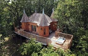 100 Tree Houses With Hot Tubs Tree Houses House Breaks