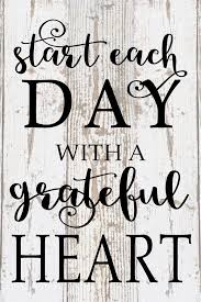 Start Each Day With A Grateful Heart Inspirational Wood Sign Canvas Wall Art