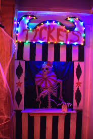 Halloween Cubicle Decorating Ideas by 74 Best Halloween Work Decorations Images On Pinterest Halloween
