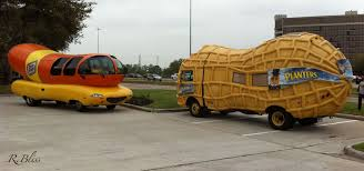 A Complete Set, Weinermobile And Nutmobile : WeirdWheels