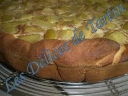 gateau a pate levee tarte à la rhurbarde sur pâte levée les délices de tartin