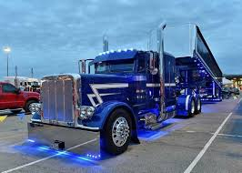 Peterbilt Custom 379 With Matchin Dump Light Show | 18 Wheels & A ... 2002 Peterbilt 379 Sleeper Semi Truck For Sale Salt Lake City Ut 2007 600 Miles Ucon Id Club Forum Trucking 1987 Tpi Custom With Matchin Dump Light Show 18 Wheels A Customized 1999 Isnt Your Normal Work Truck Cervus Equipment New Heavy Duty Trucks 2004 Exhd Single Axle California Compliant Peterbilt 07 Blackedout Cat Powered Many Lowered Youtube Paccar Financial Offer Complimentary Extended Warranty On
