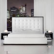 chambre a coucher blanc choisissez un lit en cuir pour bien meubler la chambre à coucher