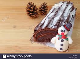 schokolade yule log kuchen für weihnachten oder buche de