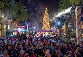 Children Attending Fashion Islands Annual Holiday Tree Lighting From Left Samantha Rodriguez 8 Jaylene Jerez 4 And Flora 7