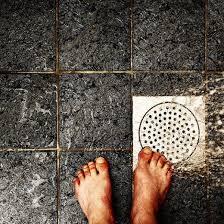 Unclogging Bathtub With Plunger by Best 25 Shower Drain Ideas On Pinterest Diy Drain