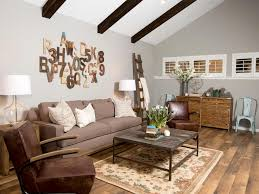 wall art ideas from chip and joanna gaines hgtv s fixer upper