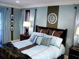 die faszinierende kombination braun und blau im schlafzimmer
