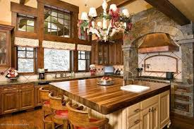 24 kitchens with jaw dropping cathedral ceilings
