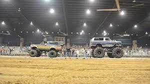 100 Truck Tug Of War Of Horse Vs Men Jukin Media Inc