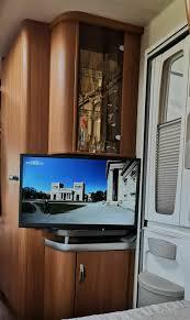 erste änderungen zusätzliche steckdosen und umbau des tv