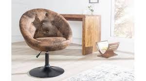 fauteuil bureau chesterfield fauteuil de bureau chesterfield marron un fauteuil capitonné