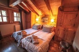 chalet chambre chalet pour 16 personnes à méribel chalet 8 chambres à méribel