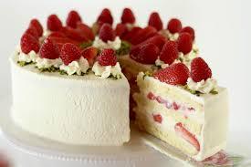 Hochzeitstorte Mit Erdbeeren Und Limetten Erdbeer Biskuit Torte Mit Sahne Joghurt Mousse Au Chocolat