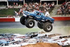 100 Bigfoot Monster Truck History Inside Look 1990 MT Build JConcepts