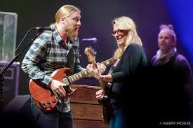 Tedeschi Trucks Band In Chicago | Grateful Web Pin By Liz Smith On Warren Derek And Allmans Pinterest Great Interviewacoustic Performance With Trucks Susan Tedeschi Band Tiny Desk Concert Npr Playing Layla Youtube In Chicago Grateful Web Allman All Star Always In Demand Blurt Magazine Filederek Playingjpg Wikimedia Commons Dave Michaels Talks Wext Live At Batschkapp Frankfurt Germany 43 Leon Russel Video Directing Tips Interview With Humbly Carrying The Torch