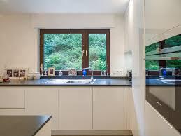 grifflos hochglanz lack küche weiß rückwand in glas