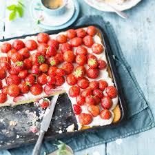 erdbeer blechkuchen
