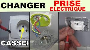 installer une prise électrique de courant cassée prise legrand