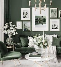 schottische bilderwand grünes wohnzimmer naturposter goldrahmen