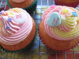 Like A Ray Of Buttercream Sunshine Straight To The Heart CakeSpy Has Another Bakery Crush This Time Its Double Dose Delicious Because Cupcakes And